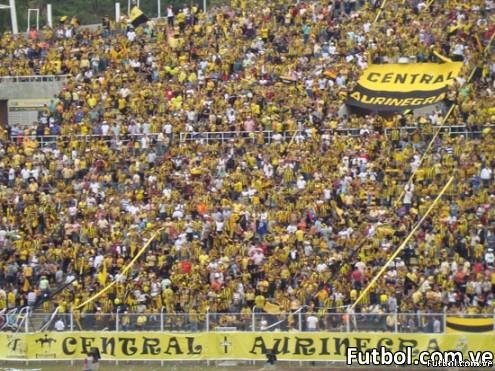 Afición Aurinegra - Foto: fútbol.com.ve