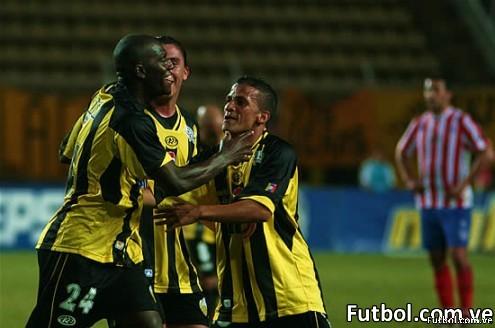 Viafara celebra con baile su primer gol en Venezuela. Foto: Gennaro Pascale