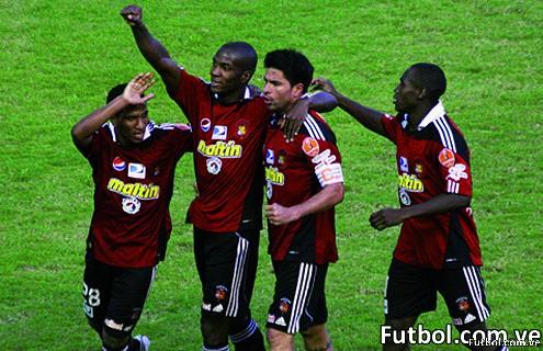 Caracas FC festeja la victoria pero ya sin chance de ser Campeón del Torneo Apertura 2010 del Fútbol Rentado Venezolano
