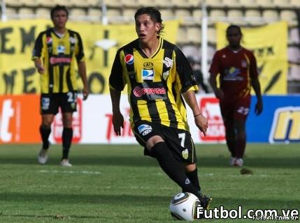 El Deportivo Táchira se impuso 2-0 en casa de Carabobo