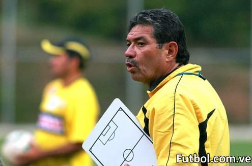 Manolo Contreras sería ratificado como director técnico del Deportivo Táchira para la temporada 2012-2013. Foto: Gennaro Pascale / Prensa Deportivo Táchira