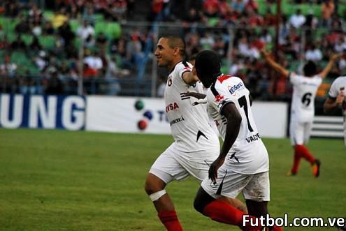 Rafael Castellín celebra su gol frente al Caracas FC. Foto: Prensa Deportivo Lara