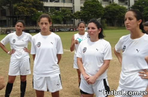 El equipo femenino del Real ESPPOR Club. Foto: Gaby Marcano