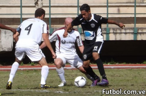 Real ESPPOR frente a Deportivo Metropolitanos. Copa Venezuela 2012. Foto: Prensa Real ESPPOR Club